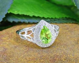 Natural Peridot  925 Sterling Silver Ring (SSR0472 )