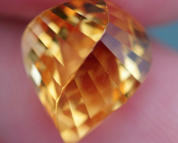 3.05 CRT BEAUTY YELLOW CITRINE SWISTER CARVING-