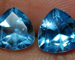 3.05 CRT GORGEOUS SKY BLUE TOPAZ PAIR-