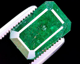 2.95  Ct Brilliant Color Natural Swat Emerald
