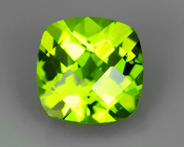 2.65 Cts.Magnificient Top Sparkling Intense Green Peridot~Cushion Cut!!