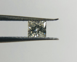 BEAUTIFUL TOP QUALITY AND FIRE ROUND DIAMOND (1031)