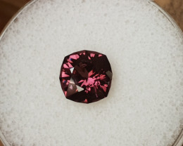 2,67ct Purple Spinel - Designer Cut!