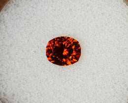 1,81ct Orange Spessartite Garnet - Flawless & Master cut!