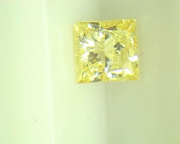 0.35cts  Fancy Yellow Diamond , 100% Natural Untreated