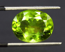 S#31-67 , 6.85 cts Natural Peridot Gemstone from Pakistan