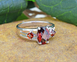Natural Garnet 925 Sterling Silver Ring (SSR0483 )