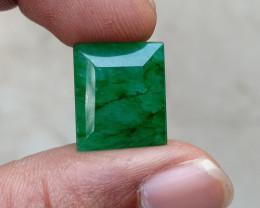 BIG EMERALD GEMSTONE Natural treated gem VA2770
