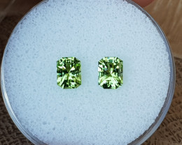 2,00ct Peridot pair - Master cut!