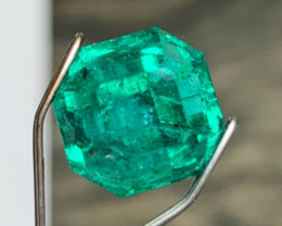 Cut by Me - 4.28 cts Colombian Emerald - Asscher Design with Top Color