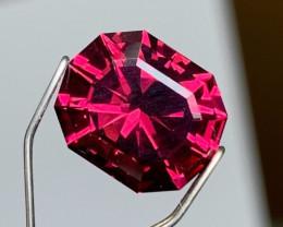 Precision Cut by Me - 4.02 cts Mahenge Garnet - Neon Fuschia - Scintillatin