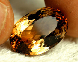 CERTIFIED - 25.22 Carat Golden VVS Brazilian Topaz - Gorgeous