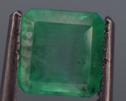1 carat Natural green  color Emerald gemstone