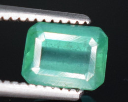 0.60 carats Natural greem  color Emerald gemstone