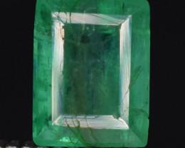 0.80 carats Natural green color Emerald gemstone