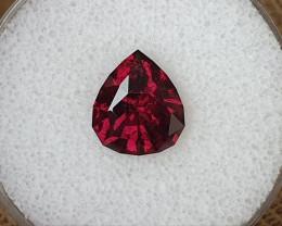 5,08ct Raspberry Rhodolite Garnet - Designer cut!