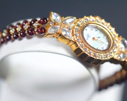 151.0Ct Natural Garnet Gemstones Watch
