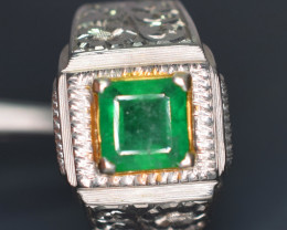 51 carats Swat Emerald ring comined with gold and silver