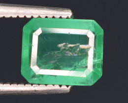 1 carats Natural green color Emerald gemstone
