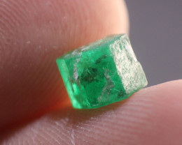 Natural Double Terminated Swat Gemmy Emerald Crystal From Pakistan