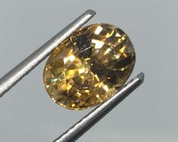 3.32 Carat VS Zircon Golden Yellow - Rare Untreated Tanzania  !