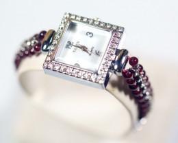 146.0Ct Natural Garnet Gemstones Watch