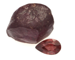 5.51cts Before and After set Rough and Pear Cut Rhodolite Garnet Samples