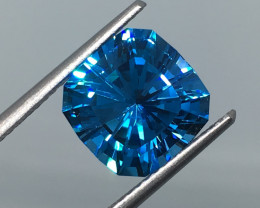 4.85 Carat VVS Topaz Bahama Blue Custom Master Cut - Flawless Masterpiece !
