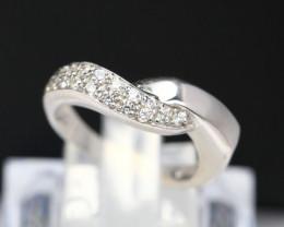Diamond Ring 18Kt Gold F/VS Natural Diamond Ring D02