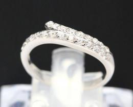Diamond Ring 18Kt Gold F/VS Natural Diamond Ring D09