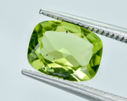 1.76 Crt Peridot Faceted Gemstone (R28)