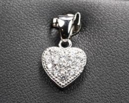 Diamond Pendant 18Kt Gold F/VS Natural Diamond Pendant D29