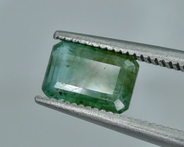 1.28 Crt Emerald Faceted Gemstone (R30)