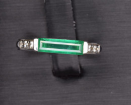 Natural Emerald and Silver Ring