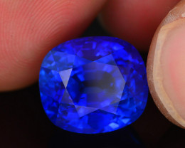AAA Grade & Color 13.78 ct Royal Blue Sapphire