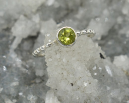 RING 925 STERLING SILVER PERIDOT  NATURAL GEMSTONE JE1580