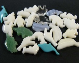 HAND CARVED STONE ANIMALS 24 PIECES 117.85CTS SGS919