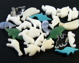 HAND CARVED STONE ANIMALS 24 PIECES 118.10CTS SGS921