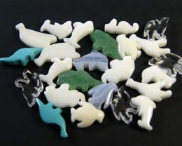 HAND CARVED STONE ANIMALS 24 PIECES 119.75CTS SGS922