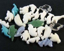 HAND CARVED STONE ANIMALS 26 PIECES 118.85CTS SGS923
