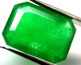Quartz Emerald Green colour  10.10  carats   QU 222