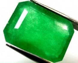 Quartz Emerald Green colour   10.50  carats   QU 224