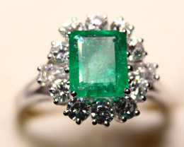 Gr 4.70  18 k  White Gold with Emerald and Diamonds FB23