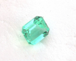 1.27 Carat Nice Certified Octagon Cut Colombian Emerald