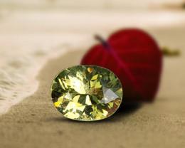 1.24 ct Greenish-Yellow Sapphire - Great Cut!  VVS!