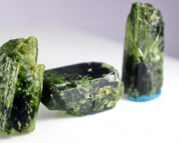231 CT Natural - Unheated  Green Epidot Crystal Rough Lot