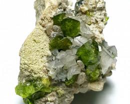 Amazing Damage free Titanite Sphene Cluster specimen 135Cts-Pak