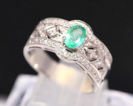 Emerald 3.87g Natural Vivid Green Emerald 925 Sterling Silver Ring B0306