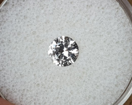 0,81ct White Sapphire - Master cut!