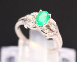 Emerald 2.57g Natural Neon Green Emerald 925 Sterling Silver Ring B0502